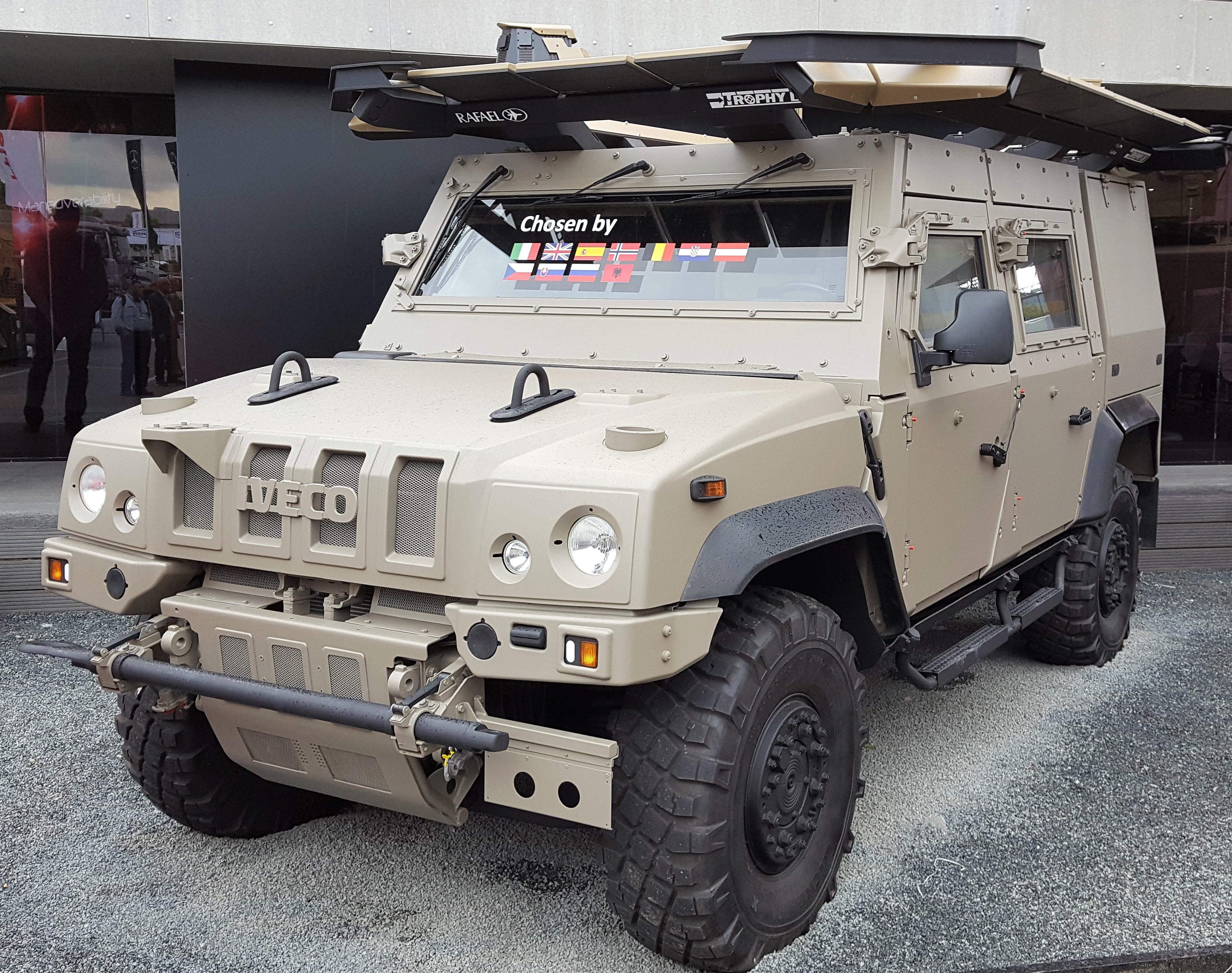 Brazilija kupuje 1464 lahkih oklepnikov IVECO DV - LMV 4×4