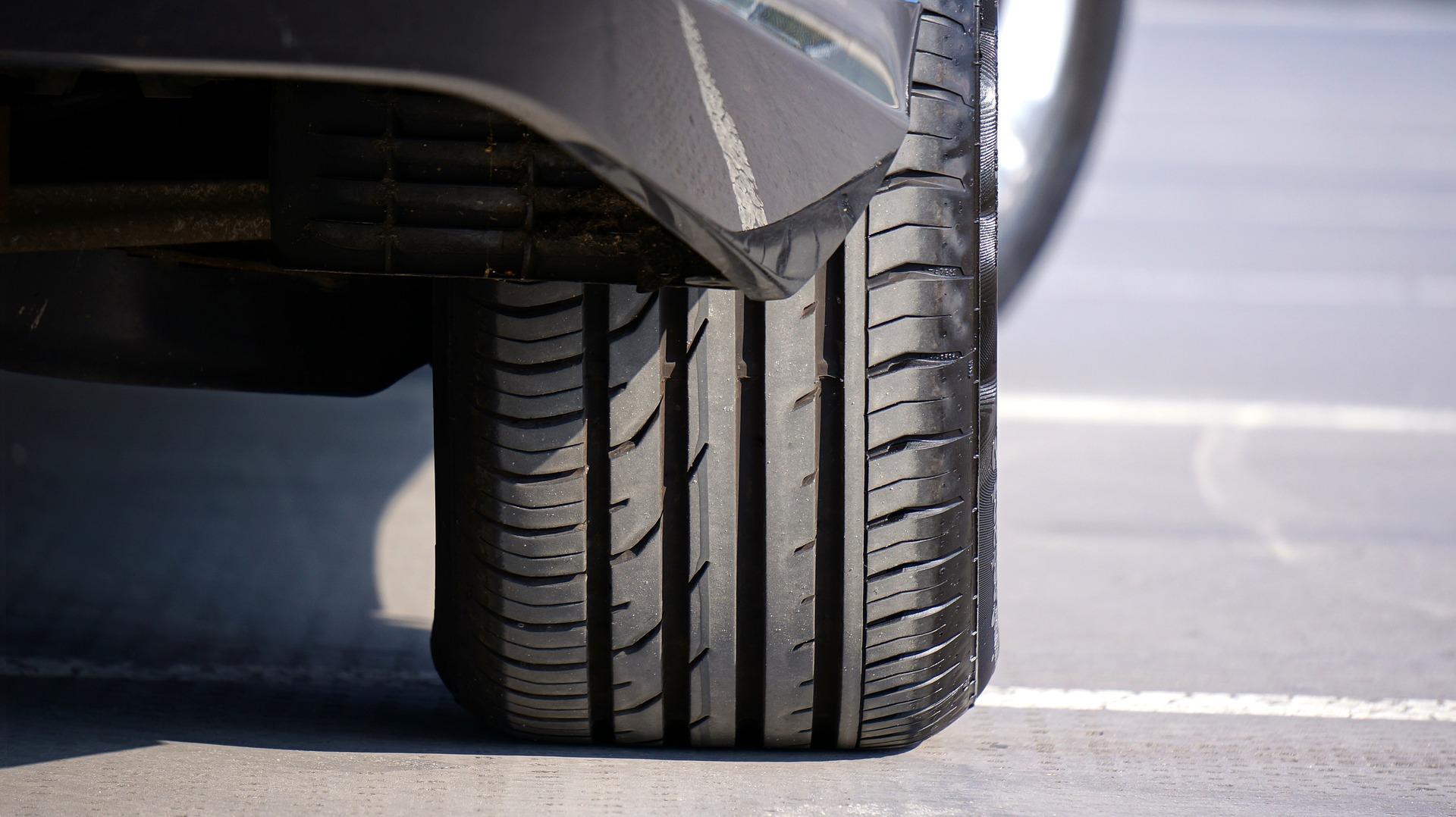 Tipala za merjenje tlaka v pnevmatikah so po novem obvezna